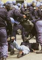 Violenze polizia (osservatoriorepressione.org)