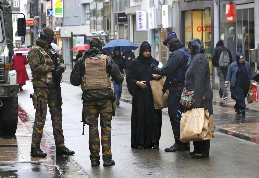 Bruxelles: controlli nel centro della città.
